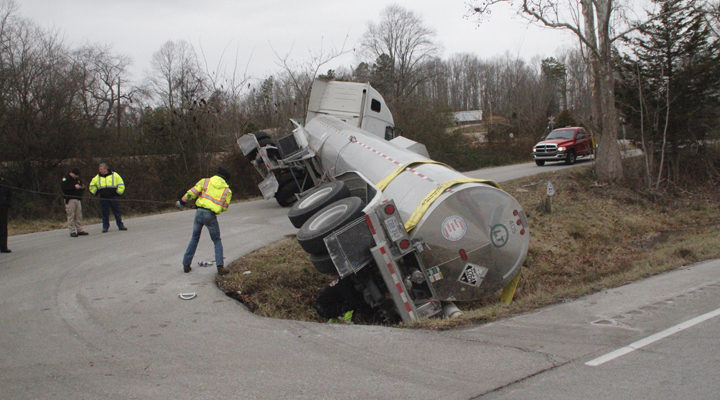 Two big rig accidents Tuesday