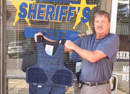 Sheriff awarded grant to purchase vests