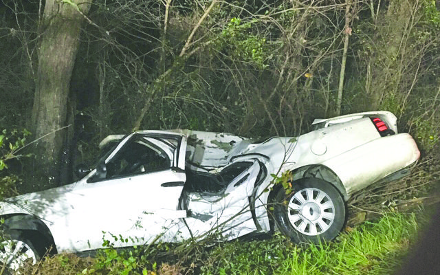 Transport officer injured in wreck